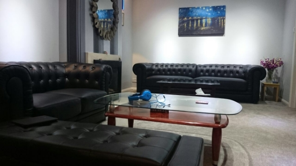 Chesterfield sofas in black